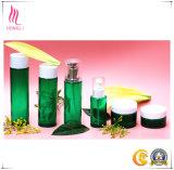 6 PCE는 녹색 피부 관리 유리병 또는 펌프 또는 단지 백색 모자를 놓았다