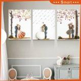 居間の壁の装飾的な絵画フレームの絵画