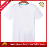 T-shirt neuf de modèle pour des femmes avec la chemise courte