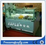 Vetrina del gelato e dei bastoni/congelatori del gelato di Gelato
