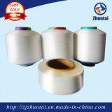 Il poliestere 100% colora il filato coperto Spandex per il lavoro a maglia di tessitura dei calzini