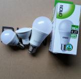 le lampadine della candela di 5W E14 C37 LED scaldano (3000K) la lampada economizzatrice d'energia bianca della candela di E26 LED