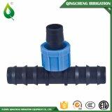 Encaixe farpado da válvula do T da fita da irrigação de gotejamento dois