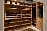 現代贅沢な木製の穀物の通りがかりの寝室の戸棚のワードローブ