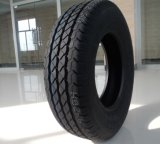 La camioneta neumático radial