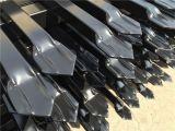 Gepresster Stangen-Oberseite-Sicherheits-Stahl, der mit gelochten Gefäß-Schienen-Garnison-Sicherheitszaun-Panels ficht