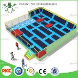 Китай Xiaofeixia профессиональный производитель батут с пеной и Dodge мяч, современный тренажерный зал батут ткань для продажи