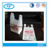 Le sac à provisions en plastique de T-shirt avec de diverses couleurs a estampé