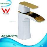 Robinet de lavabo en cascade blanc et plaqué or