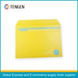Enveloppe de fichier de carton avec l'impression de couleurs mélangée