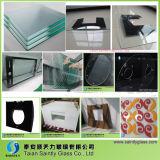 Стекло качества 3mm изготовления Shandong самым лучшим низким Toughened утюгом с польским краем
