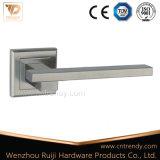 Matériel de meubles en alliage de zinc de la poignée du levier de verrouillage de porte de sécurité (z6077-ZR09)