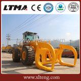 ログを持つLtmaの車輪のローダー15のトンATVのローダーは取り組む