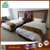 Mobiliário de quarto de casal e conjunto de sofá, mesa de madeira maciça