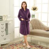Accappatoio/pigiama/indumenti da letto di corallo promozionali delle coppie del panno morbido