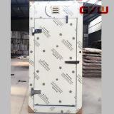 A ras de la puerta de acero para almacenamiento en frío y un cuarto frío.