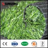 Herbe verte artificielle promotionnelle d'usine pour la décoration de restauration