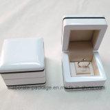 Boîte-cadeau en bois de module de support de cadre de boucle de bijou de laque lustrée élevée blanche