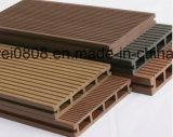 Decking composé en plastique en bois en vente