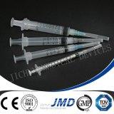 3 Часть медицинских пластиковых одноразовых шприцев и игл