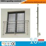 En el exterior de acero inoxidable de alta calidad de barandilla de cristal del balcón
