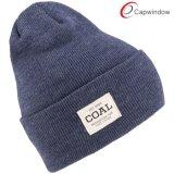 100%のアクリルの編まれたパッチ(65050099)が付いている物質的な方法帽子の帽子の冬の帽子