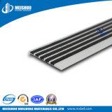 Sicherheits-schwarzer Karborundum-Einlage-Metallstrichleiter-Treppe-Schritt, der Abdeckung riecht