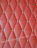 Mosaico cerâmico, resplandecente mosaico cerâmico de cor vermelha, mosaico cerâmico