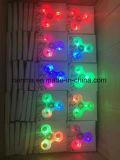 2017 도매를 위한 가장 새로운 싱숭생숭함 방적공 LED 플라스틱 손 Spineer 장시간 핑거 회전급강하