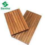 Suelo de bambú al aire libre carbonizado con el bambú del bosque de Eco