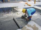 Matériau de toiture imperméable à l'eau de membrane de bitume auto-adhésif de film de PE