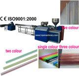 Drei Farben-Stroh, das Maschine herstellt