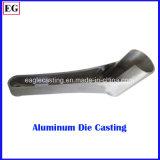 El carril modificado para requisitos particulares ADC12 del gancho agarrador de aluminio a presión trabajar a máquina de fundición