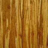 Uso de interior tejido hilo antiguo del entarimado de bambú