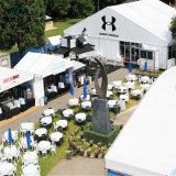 Las tiendas al aire libre curvadas grandes del acontecimiento para el banquete de boda de la exposición se divierten propósito