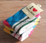 Mädchen scherzt Socken-Baby-Socken-Gefäß-Socken