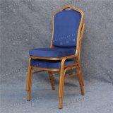 좋은 품질 판매 Yc-Zl06-01를 위한 호텔에 의하여 이용되는 연회 쌓을수 있는 금속 의자