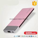 Commerce de gros prix d'usine Universal chargeur portable 6000mAh Batterie de sauvegarde de la Banque d'alimentation pour les téléphones mobiles