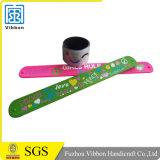 Ein Zeit-Gebrauch-Custome gedrucktes Klapswristband-Silikon