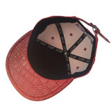 Casquillo de la PU del color rojo con el sombrero bordado para el partido por Año Nuevo