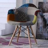 Klassische Art-bequeme Möbel-lederner speisender Stuhl mit den chromierten Beinen