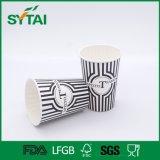 Taza de papel de un sólo recinto de la insignia de encargo no tóxica disponible al por mayor