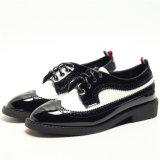 Shoes新しいデザインイギリスの風の平らな女性