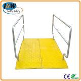 Seguridad de plástico de alta capacidad de trinchera cubierta, un puente peatonal