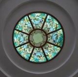 De Koepel van het Gebrandschilderd glas van Tiffany met het Patroon van de Kunst