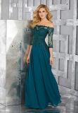As luvas longas perlaram o vestido de noite verde das senhoras Chiffon do vestido da matriz