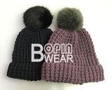 Cores Personalizadas de planície de cor sólida mulheres Knit Hat com Forro de velo de poliéster tricotado a bordo rasante Beanie Dobrado