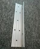 6061t6 de machinaal bewerkte L-vormige Uitdrijving van het Aluminium/van het Aluminium van Gaten