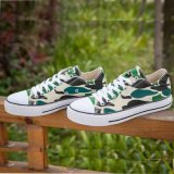Low Top Cômoda Camuflagem Cor Flat Skateboard Canvas Shoes Homens / Mulheres