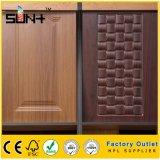 La piel de la puerta de madera de 1,8 mm para el armario de cocina